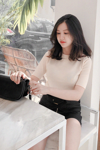 Knitted Basic Tee In Cream