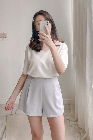V-neck Knitted Basic Tee In White