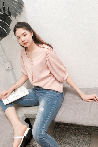 Square Collar Puffy Sleeve Top In Pink