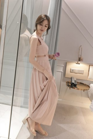 Bella Pleated Maxi Dress In Pink