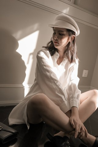 Wool Cabbie Hat in Milky White