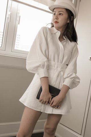 Mellow Buttoned Blouse in White