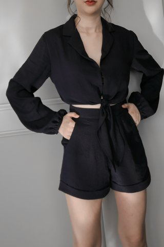 Chava High-waist Shorts in Dark Blue