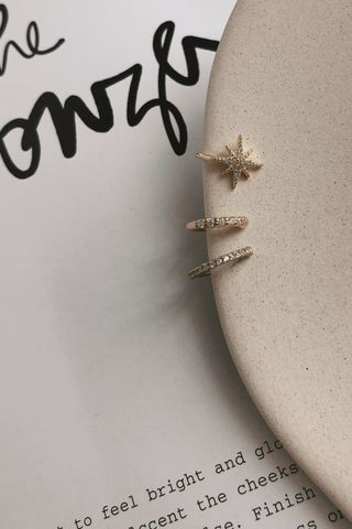 Blinking Star Earing Set in Gold