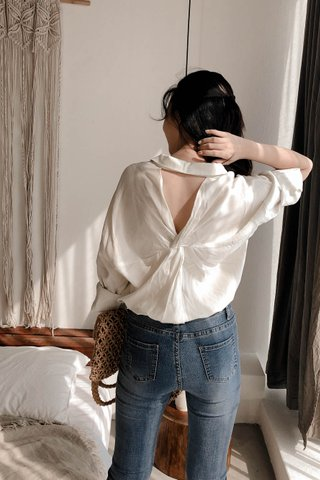 Back Twisted Blouse In Milky White
