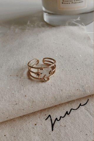 Blinking Star Ring in Gold
